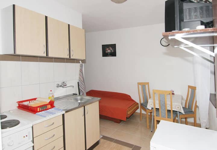 One bedroom apartment with balcony and sea view Pag (A-12035-b)