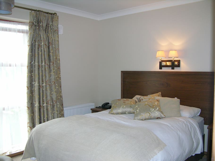 Wheelchair friendly Double ensuite ROOM