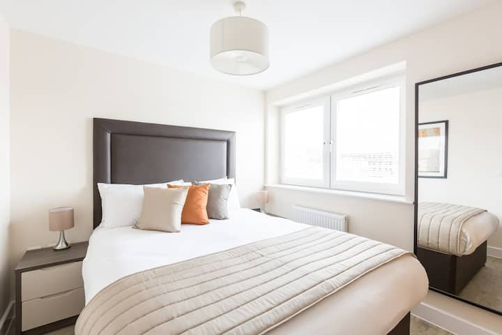 Luxury Studio Apartment at Central Gate by HOF
