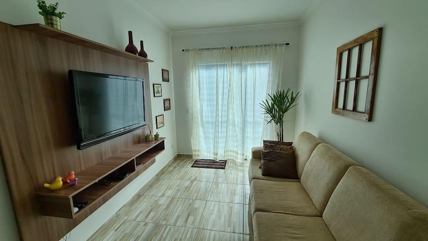 Apartamento confortável e completo próximo ao mar
