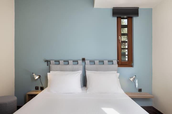 Villa 15 features  three air-conditioned bedrooms.