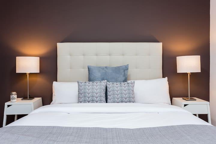 Brand new elegant 3 bedroom apartment - L'Hospitalet de Llobregat - Huoneisto