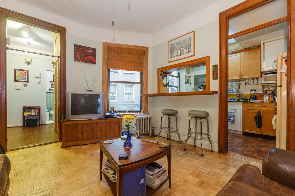 Private room minutes from midtown appartamenti in for Appartamenti midtown new york