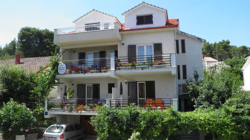 Apartment Oleandar - near sea