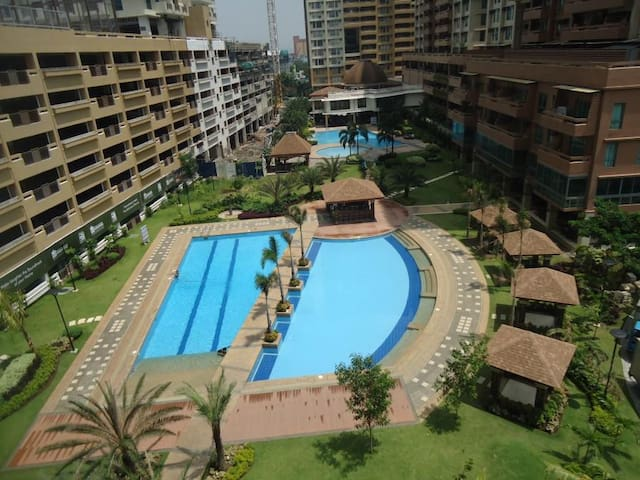 3BR:Resort Style Living in the city | 50 Mbps wifi - Mandaluyong - Pis