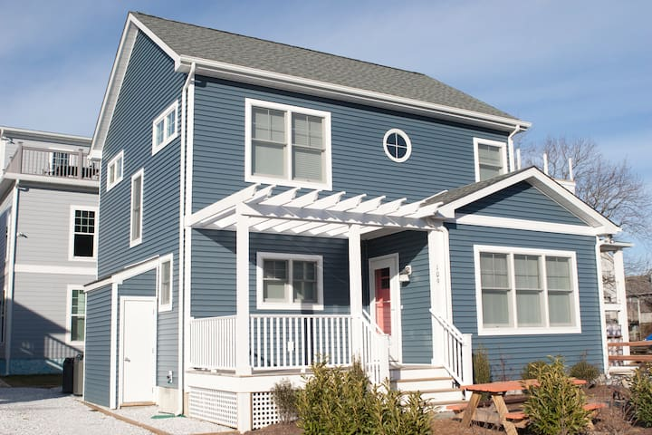 New Cozy Home at 109 Swedes St - Dewey Beach