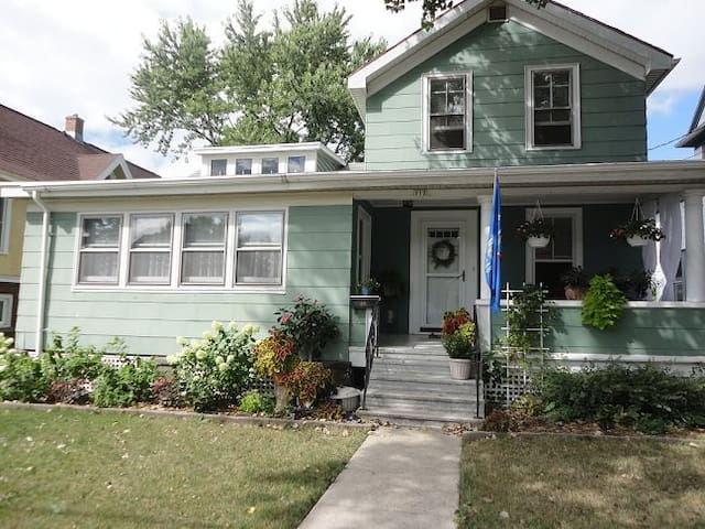 Oshkosh: Cozy home downtown - Oshkosh - Huis