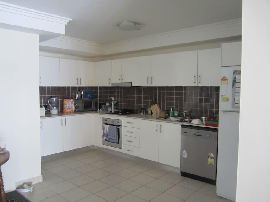 Nice open plan kitchen