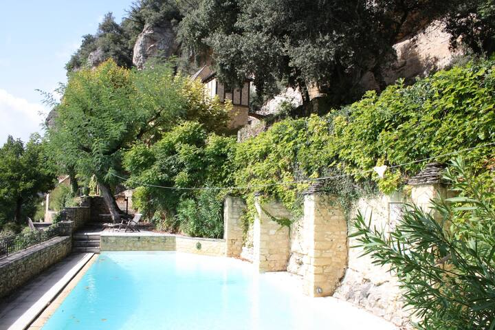 Belle demeure avec 6 chambres, vue, piscine privée