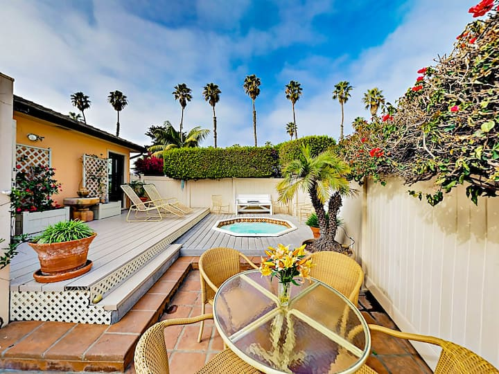 Retro Beach Bungalow in Ventura