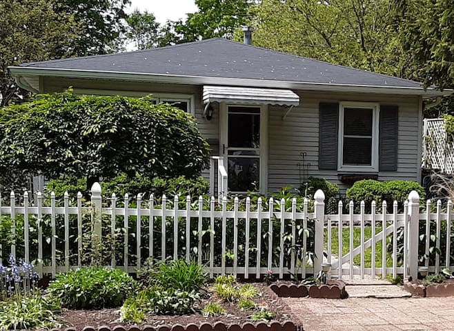 Adorable Broad Ripple Bungalow