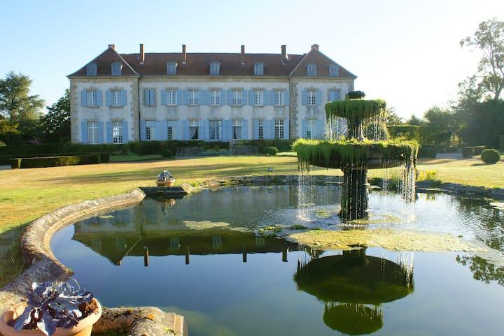 Idéal dé-confinement le Chateau de Sannat  !