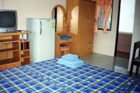 Uwe und Wantana's Ferienwohnungen - Sattahip - Apartment