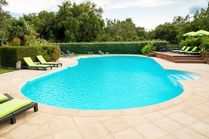 appart 6/8 pers avec 2 piscines dont une chauffée!