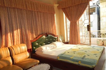 Special Extra-Large Room w/ Balcony - Ho-Chi-Minh-Stadt
