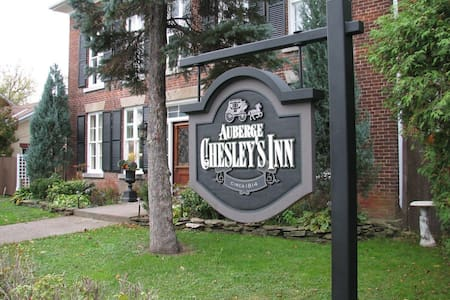 Chesley's Inn - The French Room  - - Cornwall - Bed & Breakfast