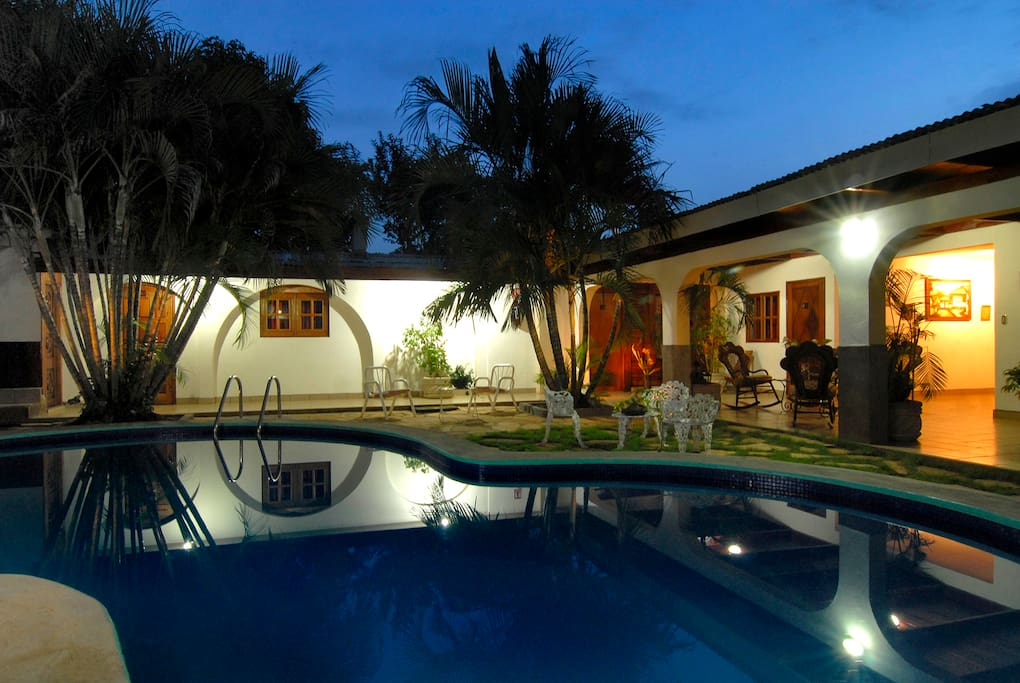 Hotel en managua bed breakfasts zur miete in managua for Piscinas aki catalogo