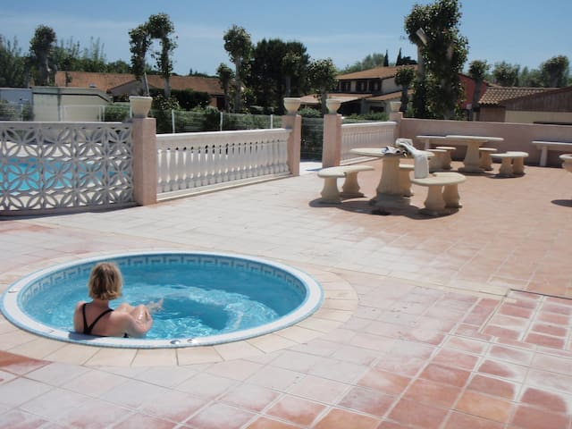maison vacances bord de mer,piscine chauffée - Portiragnes - House