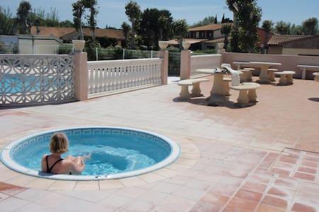 maison vacances bord de mer,piscine chauffée - Portiragnes