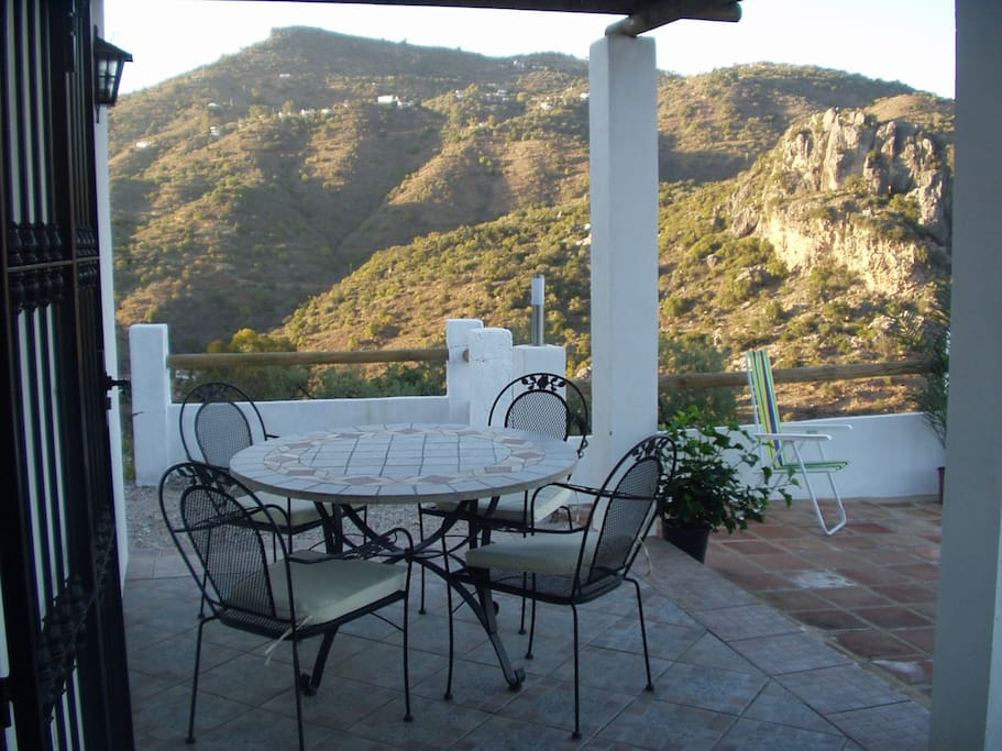 Alfresco dining surrounded by views