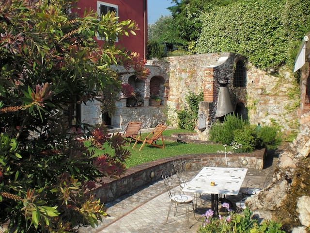 The Secret Garden - Camaiore - Apartament