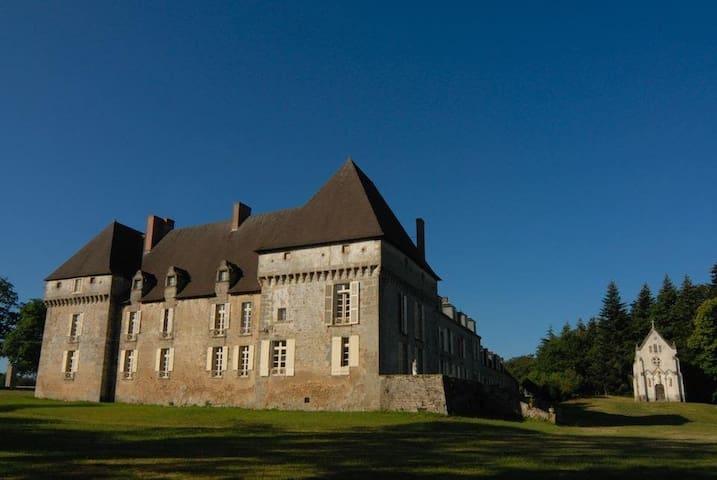 Chateau de Lalande, 'Bonne Maman' - Crozon-sur-Vauvre - Schloss