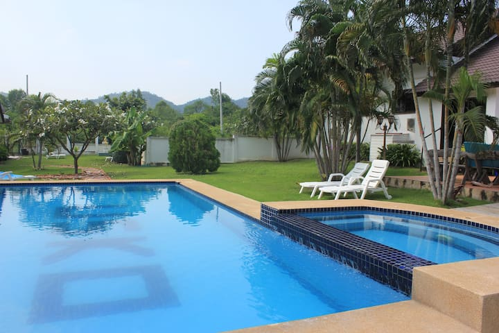 CasaHuaHin 3 bed pool villa (Back after renovation - Hua Hin - Dom