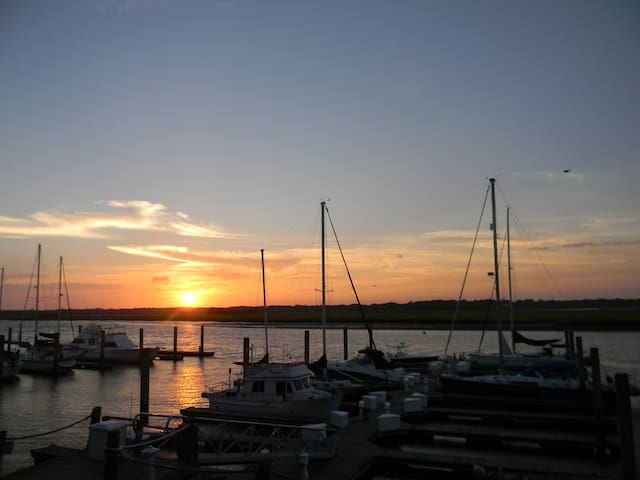 Amazing sunsets - Great getaway! - Johns Island - Villa