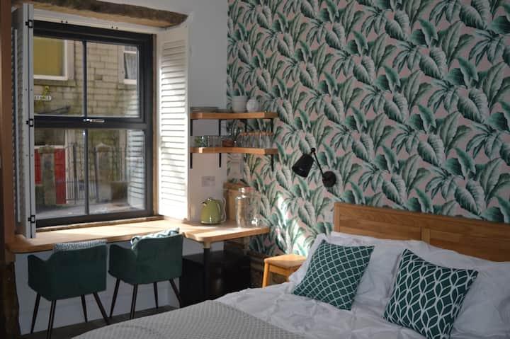 Private Suite in the heart of Hebden Bridge