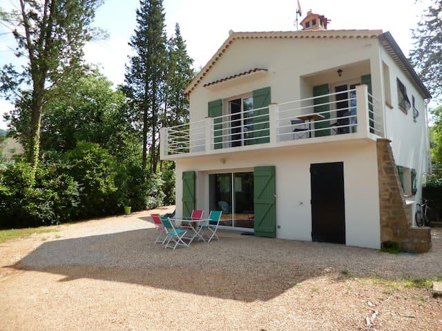 Appartement neuf 2P 50m2 sur jardin 1 km de Grasse