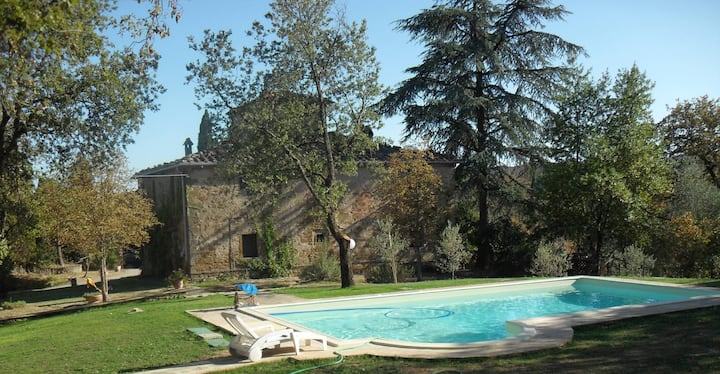 SIENA Ancient stone-built farmhouse