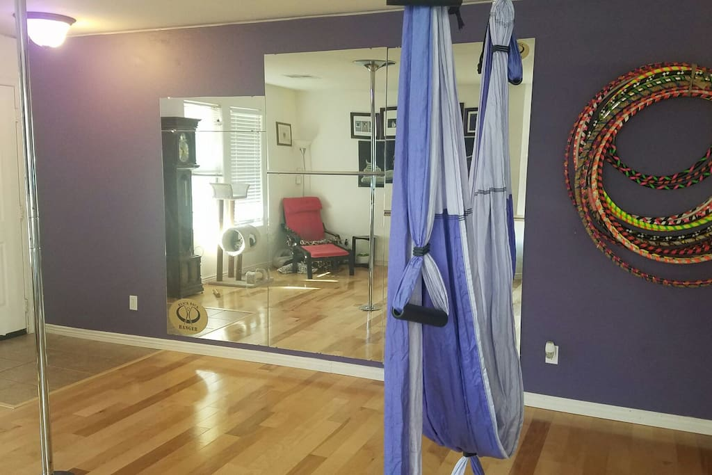 Fitness room with mirrors
