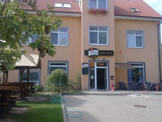 Arcadia Penzion Nové Zámky, SVK