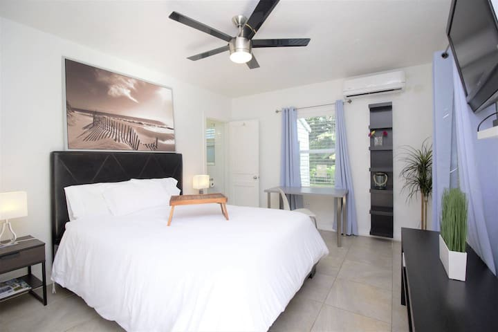 632B FLL Studio- 1.5 mi to Beach & Las Olas Blvd