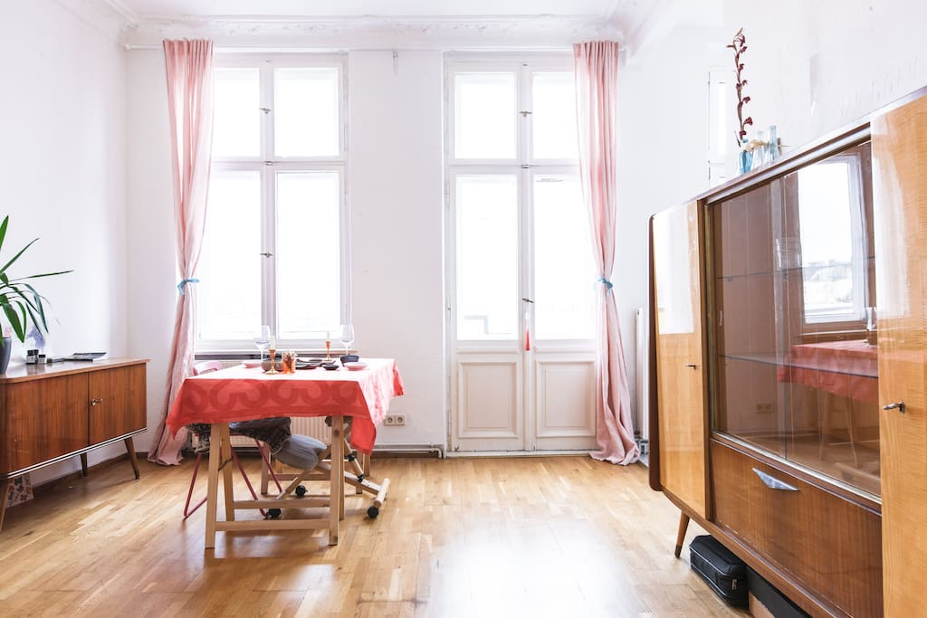 Super bright apartment in center neuk lln apartamentos for Apartamentos en berlin