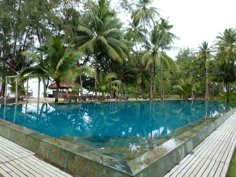 Pool in der Anlage / Resort pool