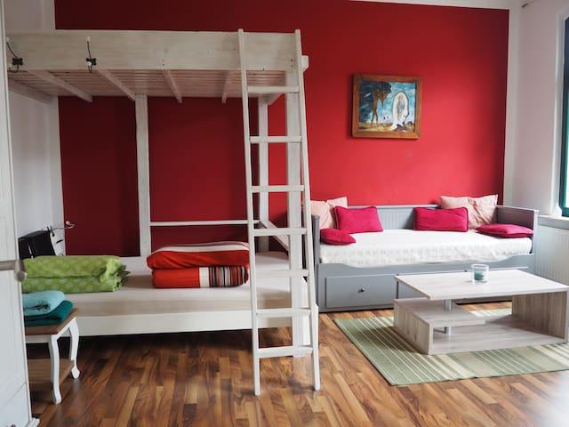 schöne 2-R.-Wohnung (60qm) mit Wohnküche
