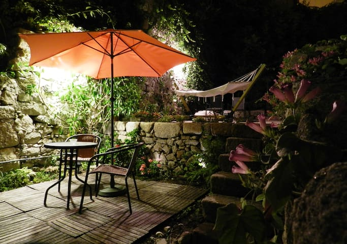 CHARMING STUDIO garden&wifi -Center - Porto - Byt
