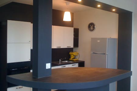 Chambre meublée en colocation  - Laval