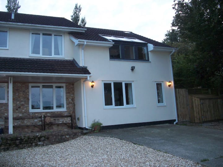 2 Bed Cottage Annexe,  Dalwood, Axminster
