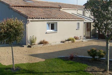 Chambre d'hôtes près d'Ancenis et  la Loire à Vélo - Liré - Hus