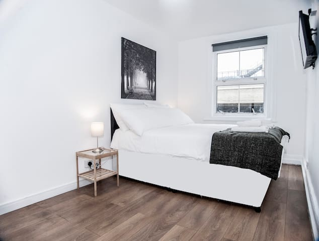 Special offer - 2b/apt - ZONE 1 - close to Tube