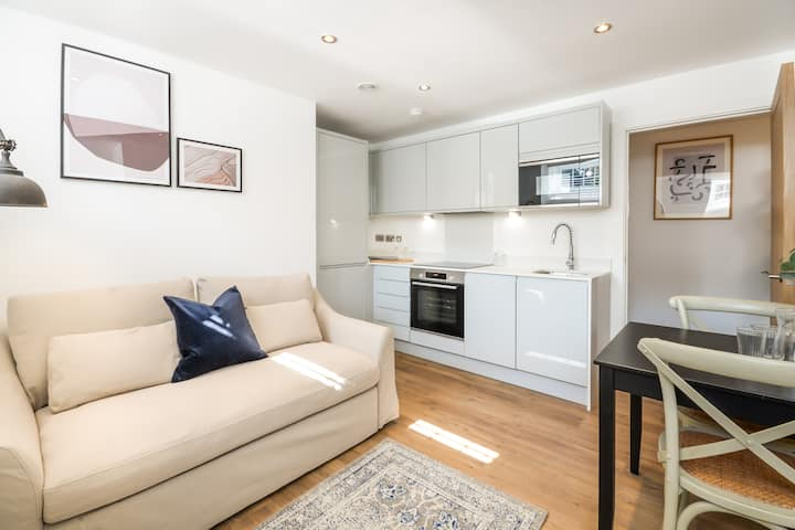 Cosy Apartment in Chester, Minutes from the Shops