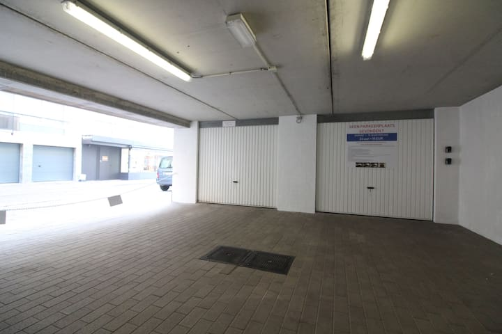 Garagebox Nieuwpoort (Bad) I 50 m from the beach