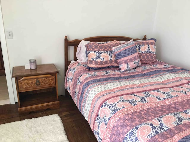 Country Cottage-Suite One