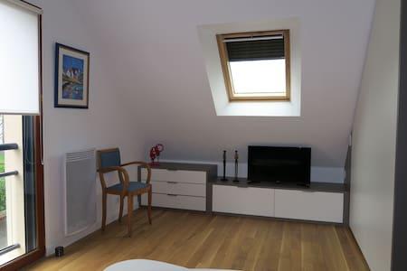 Studio meublé - Saint-Erblon - Pis