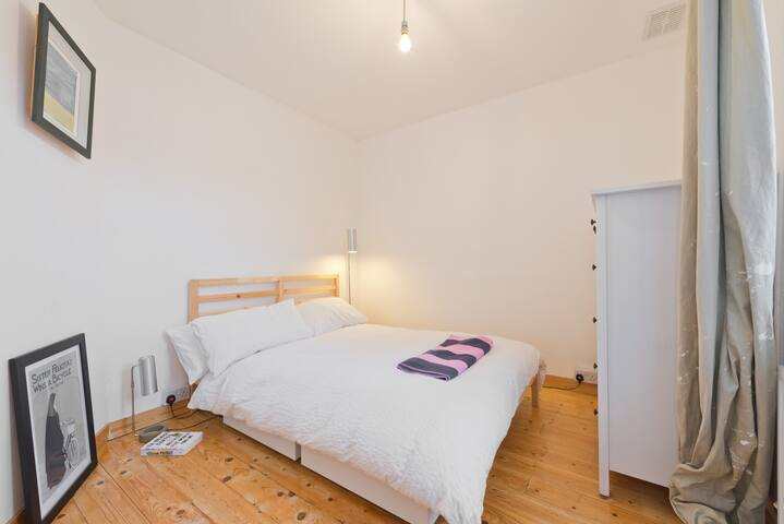 Bedroom with double bed. Fresh bedlinen provided.