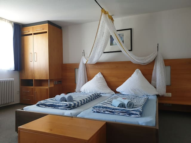 Luchs Hostel im Hirschen, mit Bad für 2 Personen