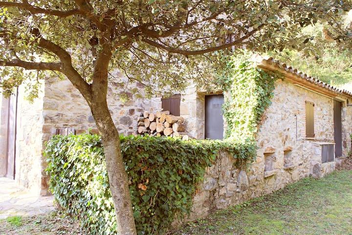 Masía de piedra en el Alt Ampurdà - Gérone - Maison