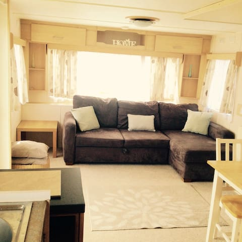 Static Caravan in Clacton to rent